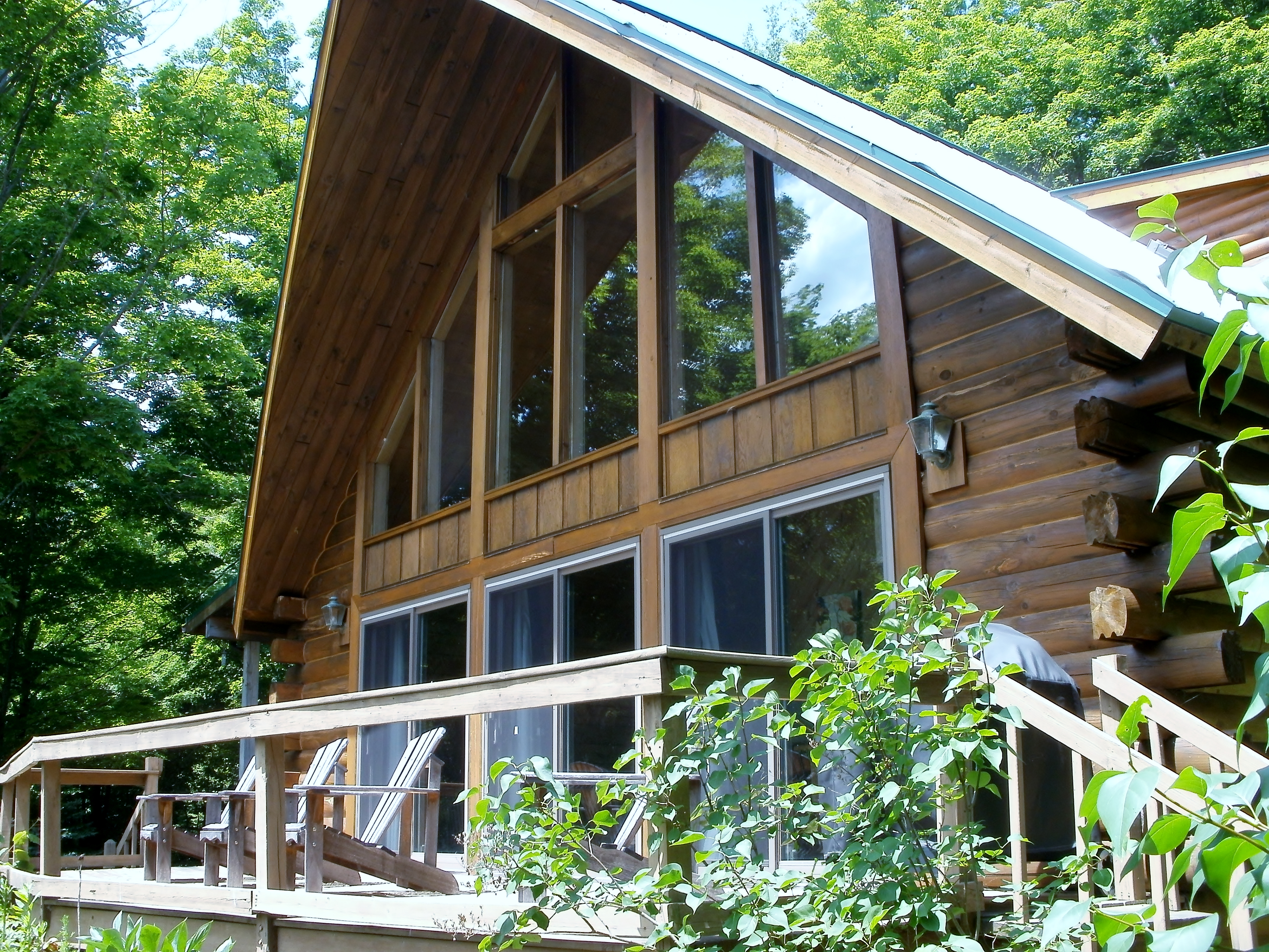 Log home hidden in a secret garden in the catskills now for Lake house upstate ny